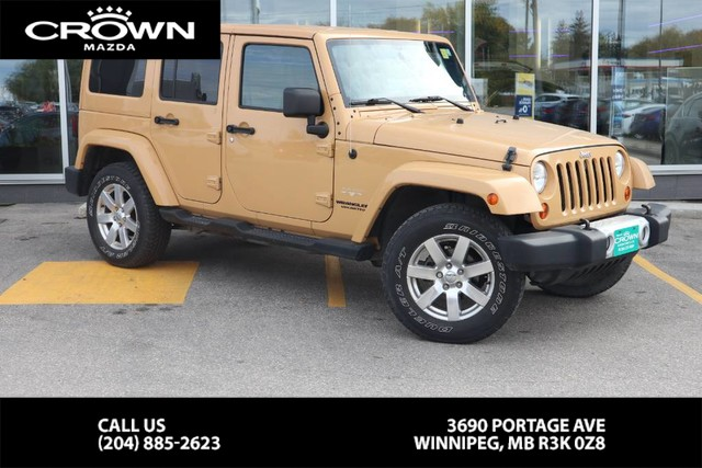Pre-Owned 2013 Jeep Wrangler Unlimited Sahara **Local Vehicle/4x4**
