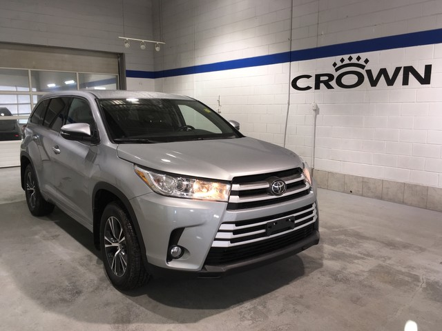 Certified Pre Owned 2017 Toyota Highlander Le Awd Convenience Pkg Clean Carproof One