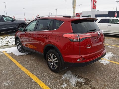 Pre-Owned 2018 Toyota RAV4 LE AWD / Crown Original / Accident Free / Low Kms / Toyota Safety Sense
